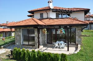 Villa on the Black Sea, Кошарица